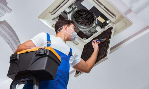Há retenção do INSS nos serviços de manutenção de equipamentos?